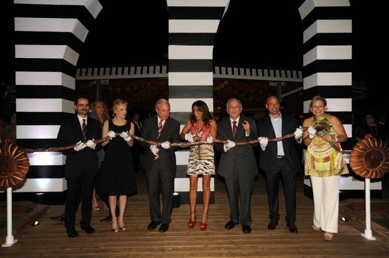 VIP Opening Candido Creis, Lourdes Portela Gimenez, Mayor Carlos Gimenez, Montserrat Valle, Mayor Tomas Regalado, Alain Perez, Ana Cristina Regalado